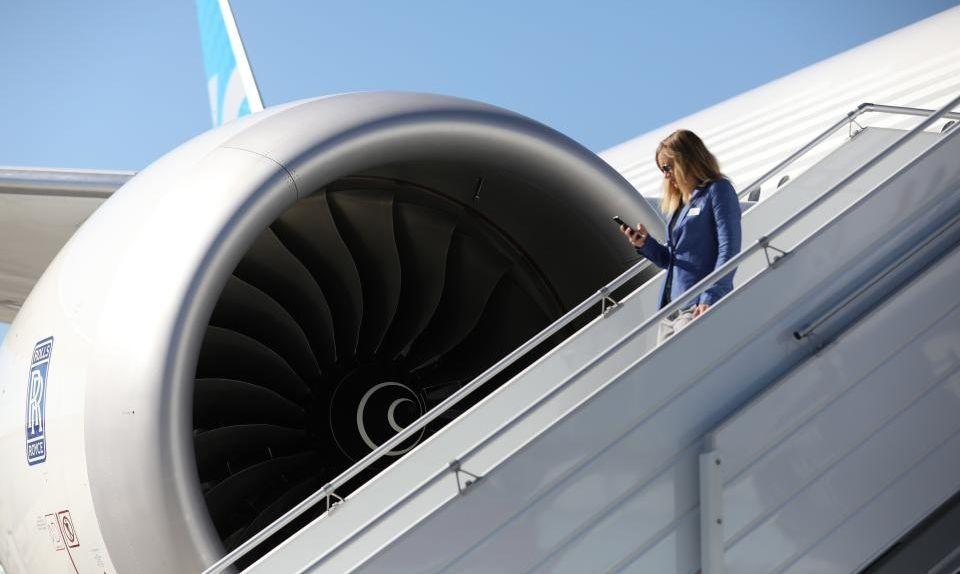 max ssj1 - Пассажиры не боятся летать на Boeing B737 MAX, но избегают SSJ-100