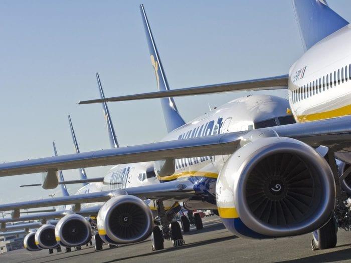 ryanair aircraft 7 700x525 - Ryanair становится лидером в области новых технологий