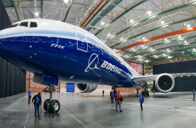 777Xrollout - Компания Emirates признала, что намерена отказаться от Boeing 777X