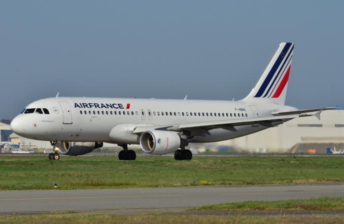 AirbusA320200AirFrance - Air France отказывается от пластиковой посуды