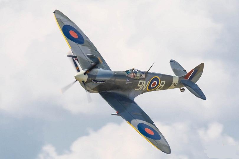 Supermarine-Spitfire-LF