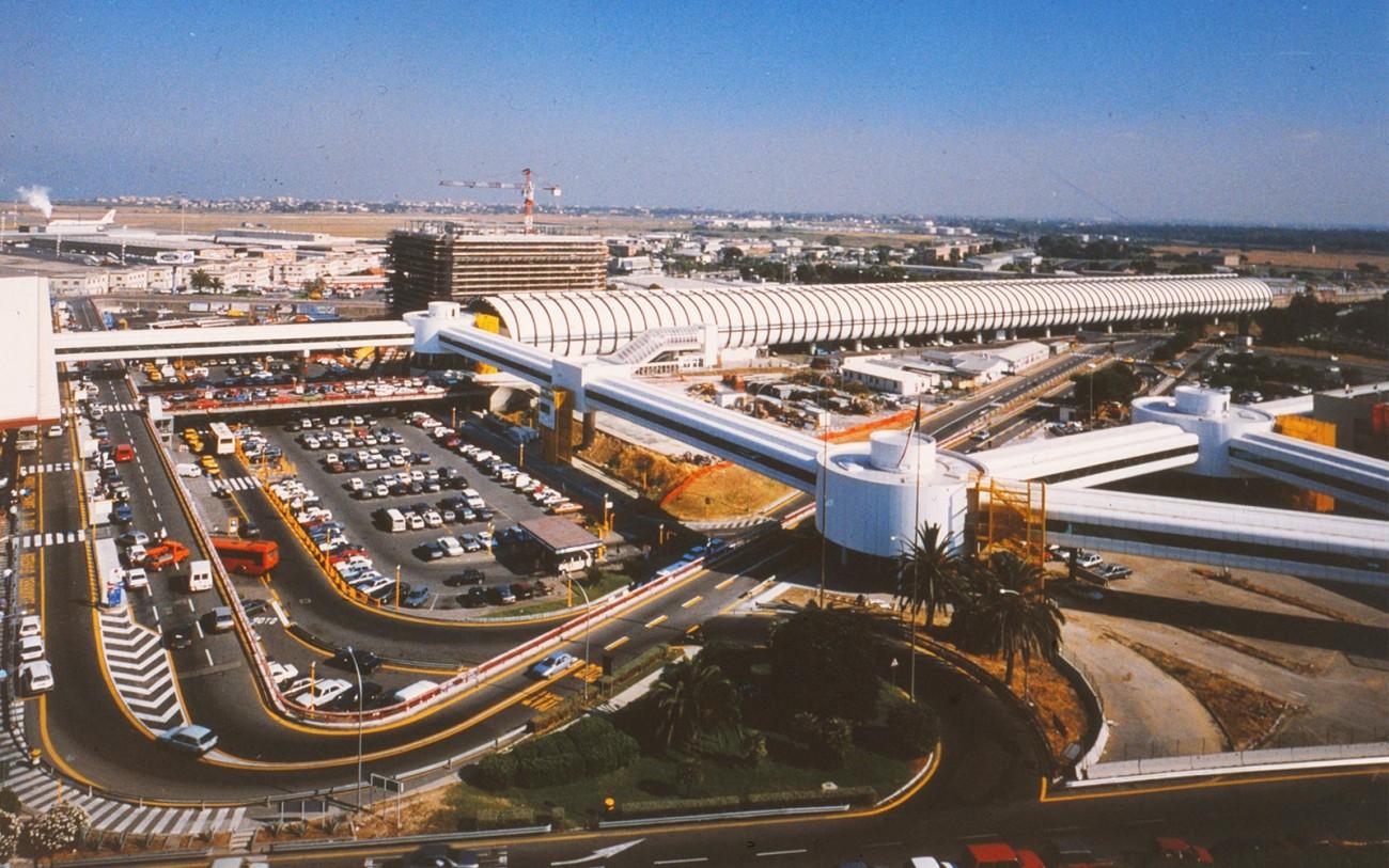 Количество пассажиров в аэропортах Италии упало до уровня 1995 года