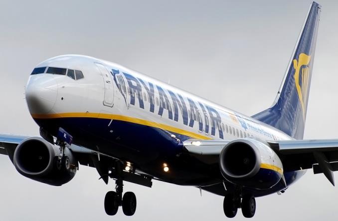 RyanairB737sub - Группа Transport & Environment требует запретить государственные субсидии убыточным аэропортам в ЕС