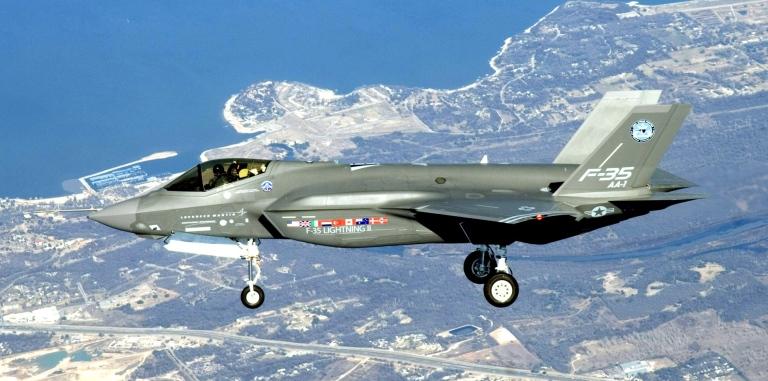 Первый полет прототипа F-35