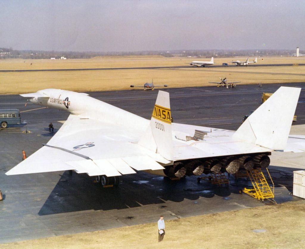 XB-70 VALKYRIE гражданский вариант