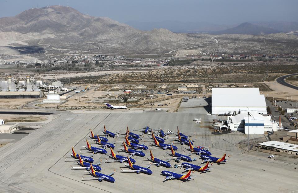 Хранилище самолетов B737 MAX8 в Southern California Logistics Airport