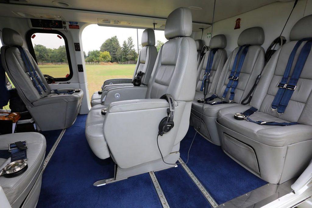 Пассажирский салон делового AW139