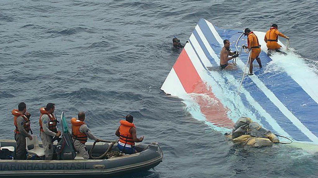 Обломки A330 рейса 447