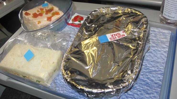 бактерии в бортовом питании KLM