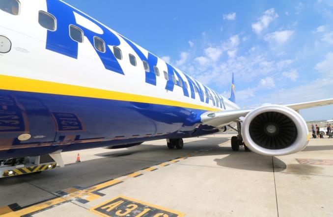 4102ryanair - На трех самолетах Boeing 737 NG Ryanair обнаружены трещины в креплении крыла