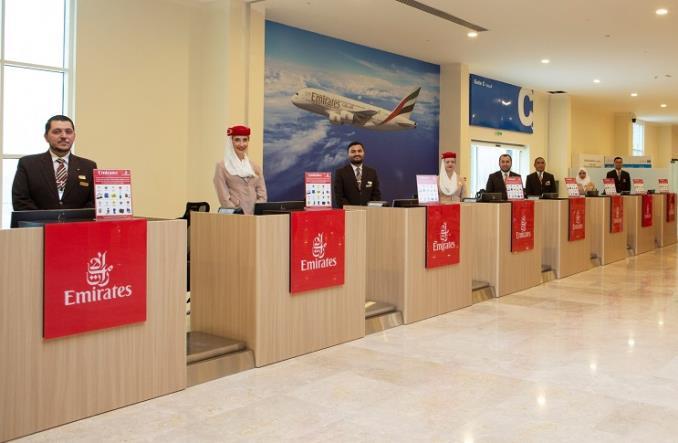 Стойки регистрации Emirates в морском порту Рашид