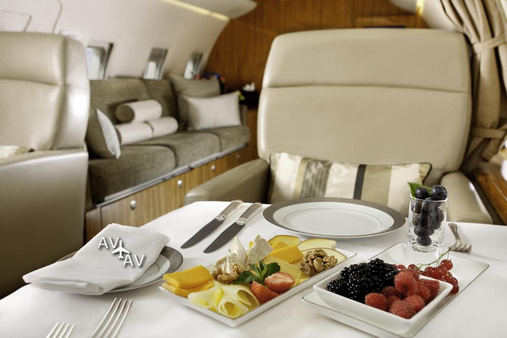 Пир горой на борту частного самолета