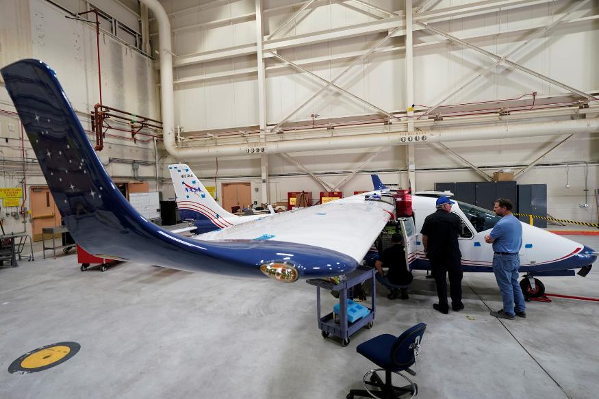 NASA показало опытный образец электрического самолета
