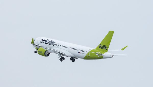 airBaltic запустит прямой рейс между Ригой и Екатеринбургом