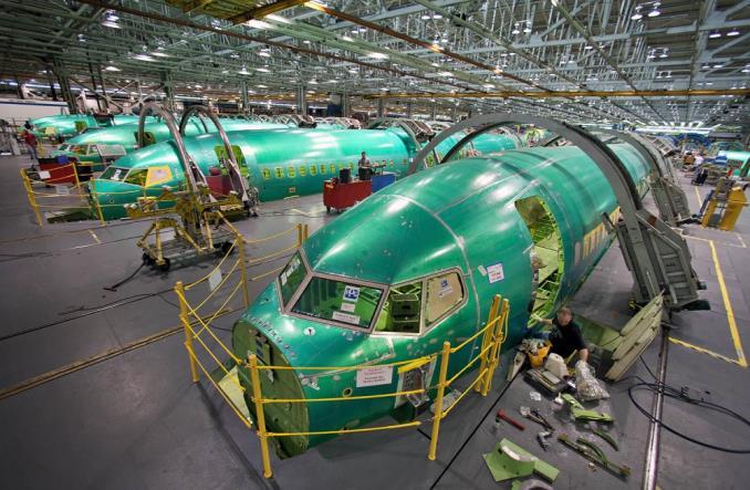 Сборка фюзеляжей для 737 MAX на  Spirit AeroSystems.
