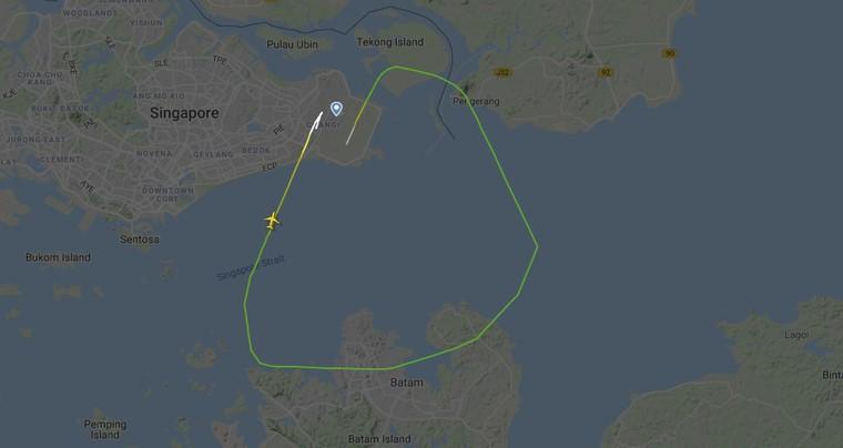 Изображение FlightRadar 24 показывает короткий полет Embraer E195-E2 в Сингапуре