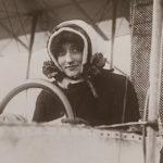 Первая лицензированная женщина-летчик
