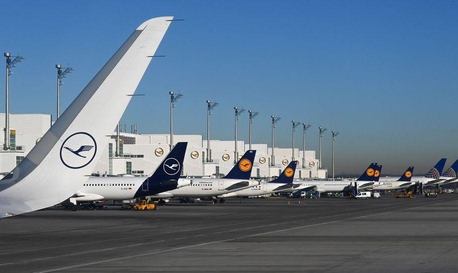 Заземленные самолеты Lufthansa