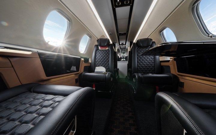 Салон Embraer Phenom 300 E