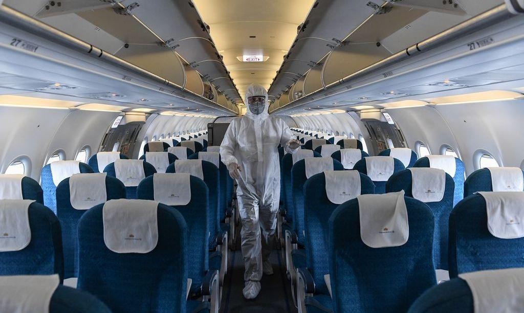 Дезинфекция салона самолета