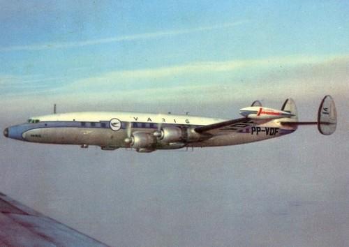 Обратите внимание на огромный I, который нанесен на заковцовке крыла Lockheed Constellation Varig