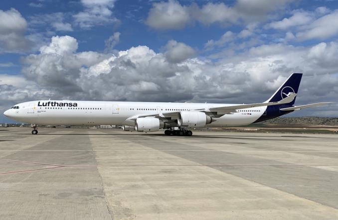 A340 на стоянке в Испании