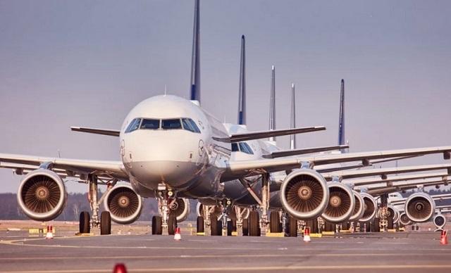 Стоянка самолетов Lufthansa