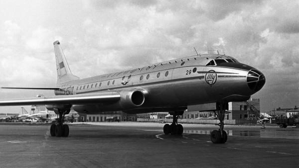 самолет убийца пассажиров - Ту-104