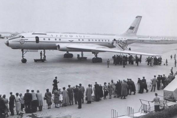 самолет-убийца Ту-104 в окраске авиакомпании Аэрофлот