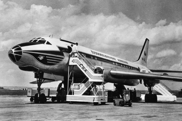 самолет-убийца Ту-104 в окраске Чехословацких авиалиний