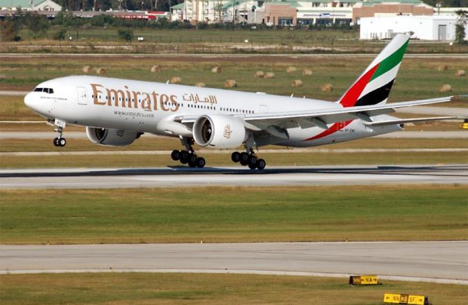 самолет Emirates