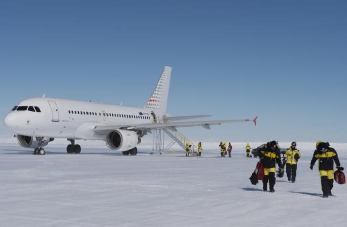 A319 в Антарктиде