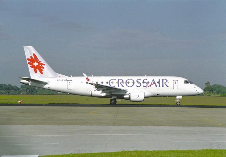 Один из прототипов E170 был окрашен в цвета Swiss Crossair