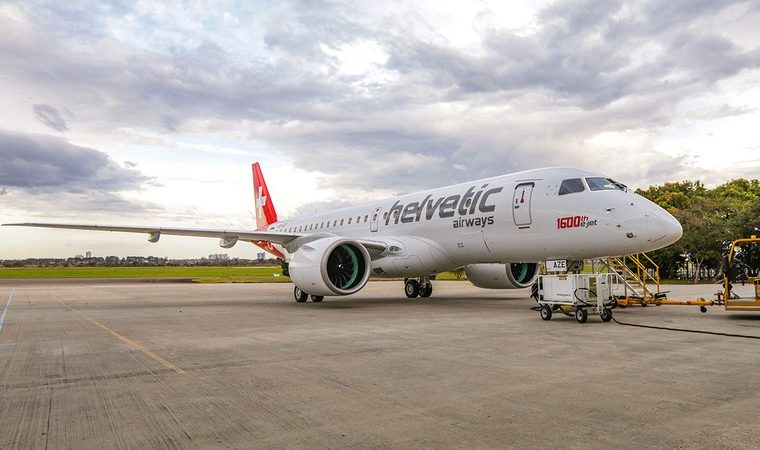 Юбилейный E190-E2 для Swiss Helvetic Airways.
