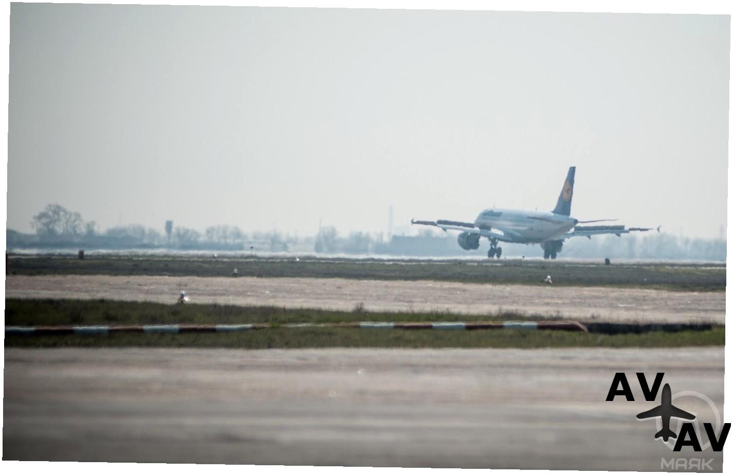 Аэропорт Душанбе (Dushanbe) коды IATA: DYU ICAO: UTDD город: Душанбе (Dushanbe) страна: Таджикистан (Tajikistan)
