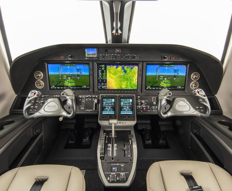 Denali оснащен передовым комплексом авионики Garmin G3000.