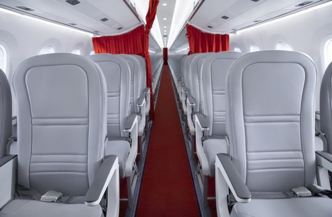 Салон E195-E2 авиакомпании Helvetic Airways