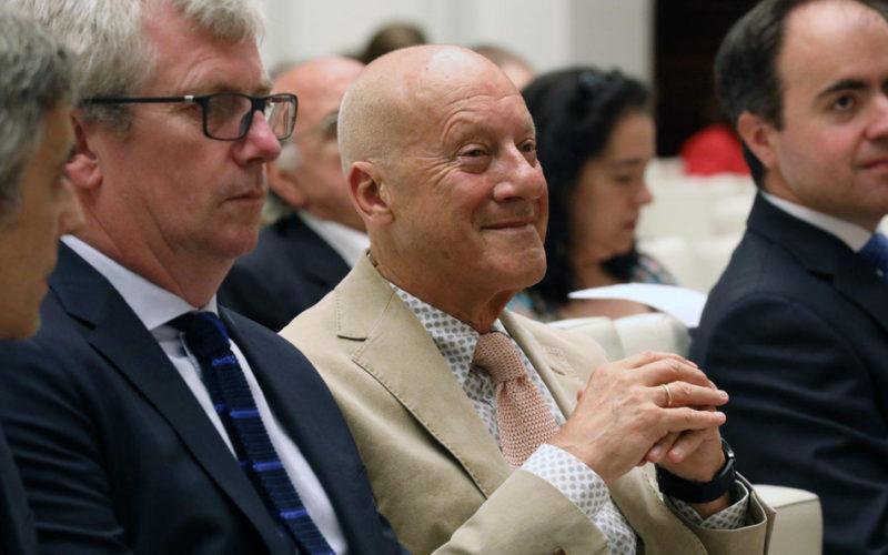 Норман Фостер, известный британский архитектор