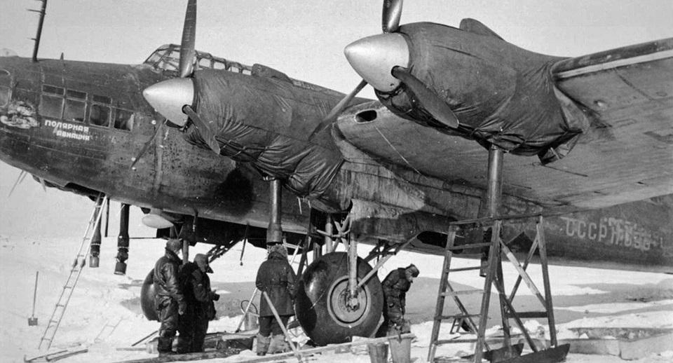 Советский стратегический бомбардировщик Пе-8