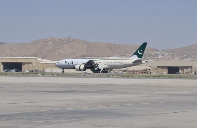 Boeing 777-200ER авиакомпании PIA в Кабуле