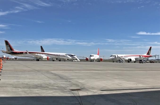 Самолеты SpaceJet  на парковке